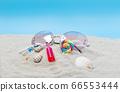 沙灘上的太陽鏡和飲料 66553444