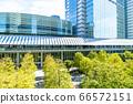 許多綠色辦公室街道風景 66572151