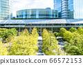 許多綠色辦公室街道風景 66572153