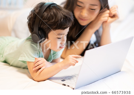 親子生活方式家庭 66573938