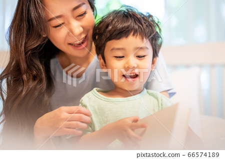 親子生活方式家庭 66574189