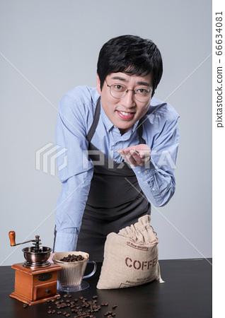 A studio portrait of Asian man making a confident smile 054 66634081