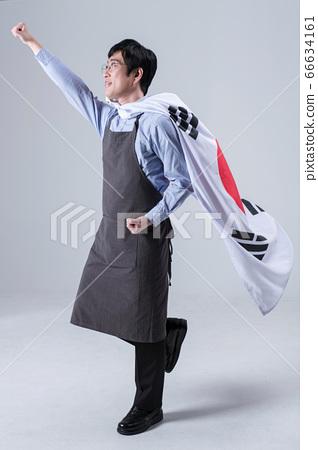 A studio portrait of Asian man making a confident smile 024 66634161