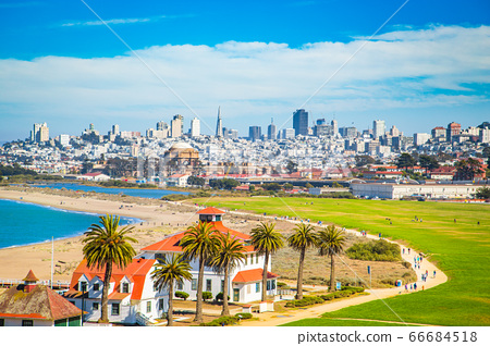 San Francisco skyline with Crissy Field, California, USA 66684518