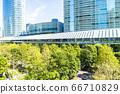 許多綠色辦公室街道風景 66710829