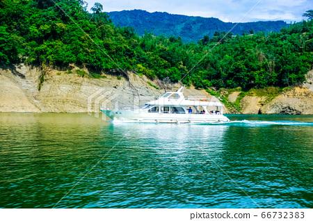 Waterfall Landscape 66732383