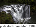 足夠的瀑布 66763904