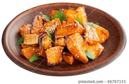 Roasted sweet potatoes with sesame 66767153
