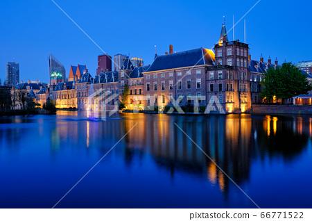 Hofvijver lake and Binnenhof , The Hague 66771522