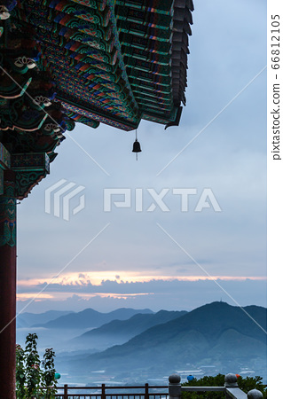 옥천 용암사의 풍경과 산그리메 66812105