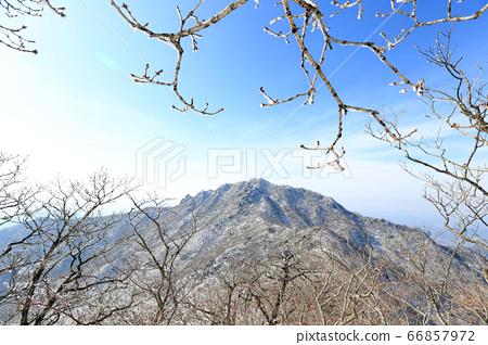 한국 경상남도 거창군 북상면 남덕유산 서봉 할미봉 66857972