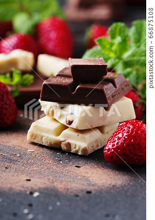 Chocolate with mint and strawberry 66875108