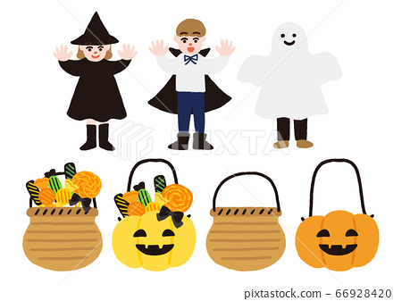 孩子們為萬聖節裝扮和裝滿糖果的籃子 66928420
