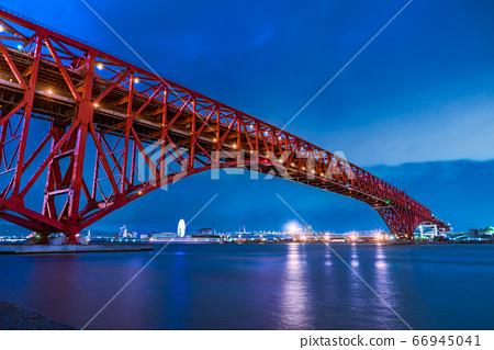 港大橋夜景日本最長的桁架橋 66945041