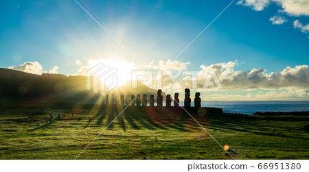 Sunstar and Ahu Tongariki iconic moai platform 66951380