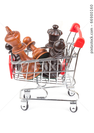 Shopping cart with chessmen 66980160