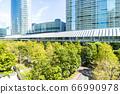 許多綠色辦公室街道風景 66990978