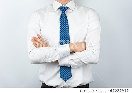 와이셔츠를 입은 아시안 남자 67027917