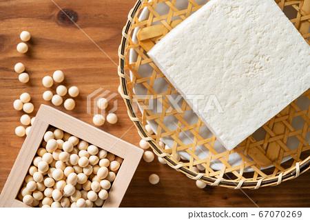 大豆和棉豆腐 67070269