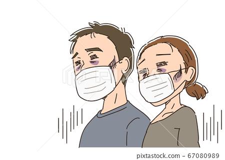 男人和女人戴著口罩,看上去很自我約束 67080989