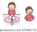 男孩洗手 67086715
