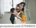 완오뻬 육아 피곤 바쁜 어머니 이미지 67098605