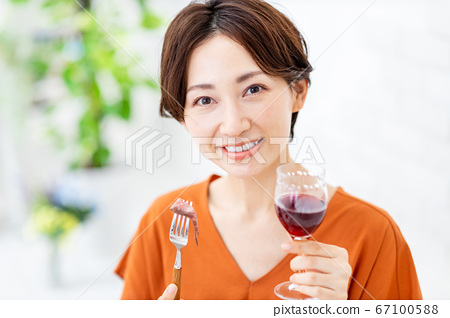 在線飲酒派對女筆記本電腦 67100588