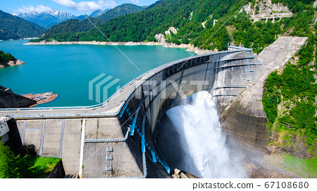 초여름의 구로베 댐 67108680