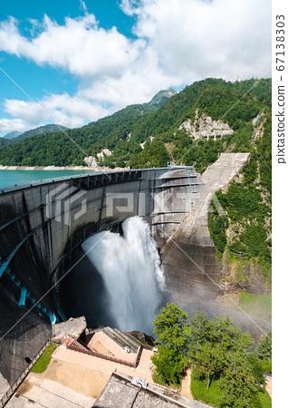 초여름의 구로베 댐 67138303
