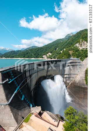 초여름의 구로베 댐 67138317