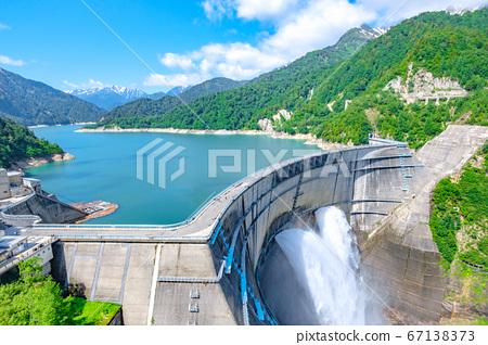 초여름의 구로베 댐 67138373