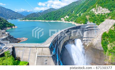 초여름의 구로베 댐 67138377
