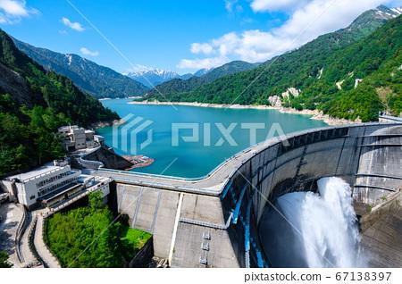 초여름의 구로베 댐 67138397