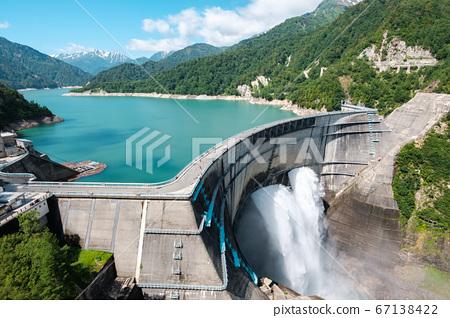 초여름의 구로베 댐 67138422