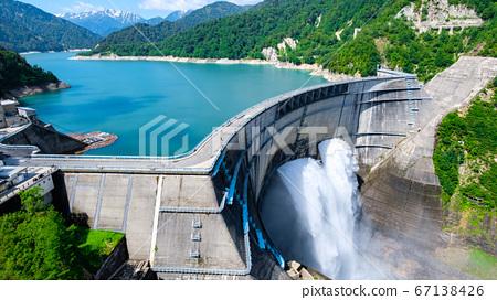 초여름의 구로베 댐 67138426