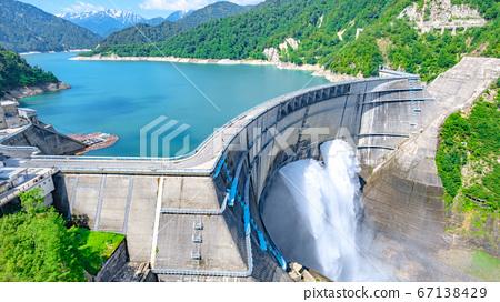 초여름의 구로베 댐 67138429