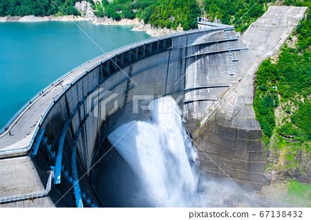 초여름의 구로베 댐 67138432