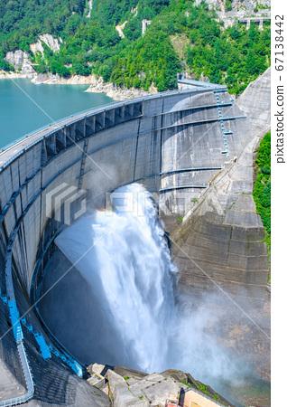 초여름의 구로베 댐 67138442