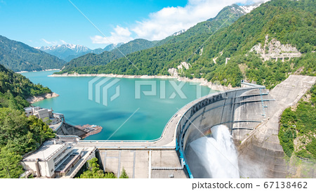 초여름의 구로베 댐 67138462