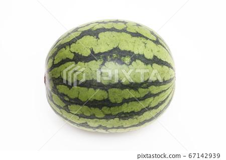 수박 수박 수박 흰색 배경 67142939