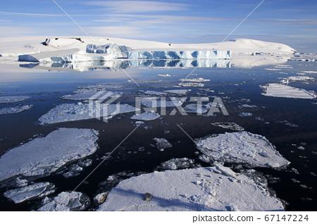Antarctic iceberg 67147224