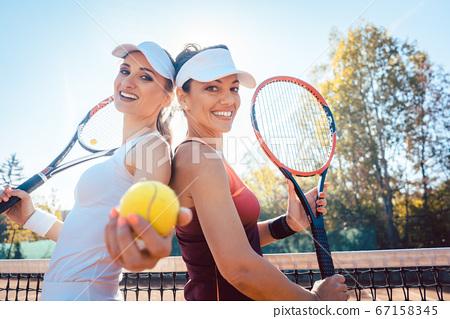 Best Friends of the tennis court 67158345
