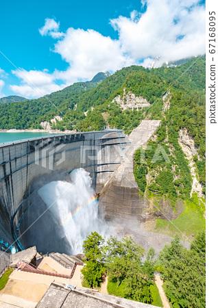 초여름의 구로베 댐 67168095