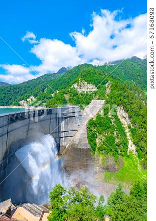 초여름의 구로베 댐 67168098