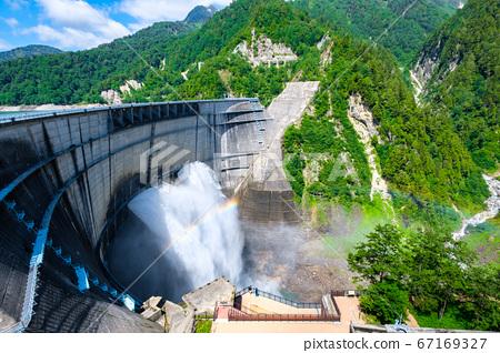 초여름의 구로베 댐 67169327