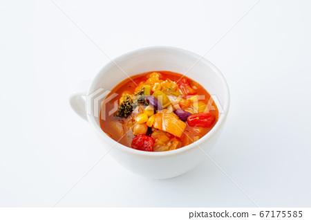 蔬菜通心粉湯 67175585