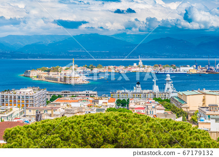 Beautiful panorama of Messina port with blue mountains in the background 67179132
