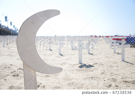 Santa Monica Beach 67238536
