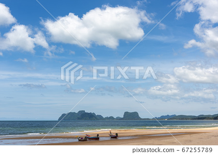 Sea view from tropical beach with sunny sky for background. 67255789