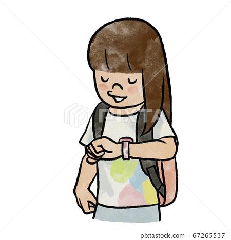 女孩檢查手錶上的時間 67265537